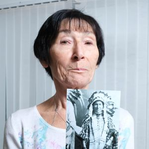 British gran convinced she has Native American blood finds doppelganger online…and her surname is Howe