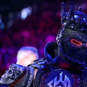 Wilder stuns fans by dressing as 'Sauron' from LOTR with evil-looking costume with glowing red eyes for Tyson Fury fight