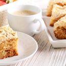 Неодолив десерт што освојува: Овој колач од јаболка веднаш ќе исчезне од вашата трпеза