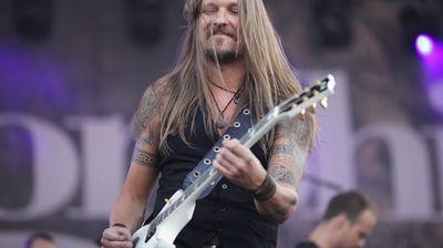Вижте трейлър с гост-музикантите в дебюта на SILVER LAKE на Esa Holopainen