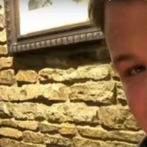 Tramp roditeljima iz Britanije uporno nudio da upoznaju ženu koja im je ubila sina