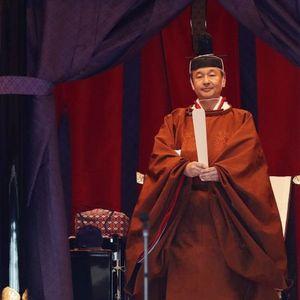 Car Naruhito preuzeo tron: Na drevnoj ceremoniji u Japanu 2.000 gostiju, među njima i princ Čarls