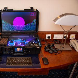 """Veran mišu i tastaturi: Gejmeru dosadile konzole i laptopovi, pa napravio """"desktop za poneti"""""""