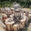 Pronađite potrebni mir: Ovo je posed manastira Hilandar na koji mogu stupiti i žene
