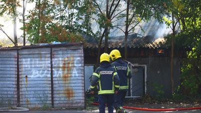 Ogroman dim kulja sa Palilule: U Vuka Vrčevića gore gume, vatrogasci na terenu
