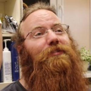 Се немал избричено 911 денови, а потоа одлучил да ја изненади сопругата