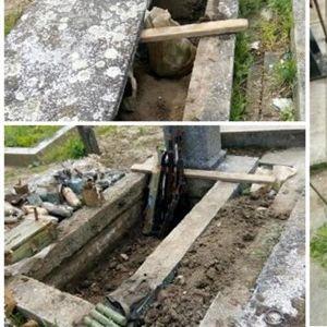 Работници во стар гроб нашле цел арсенал оружје