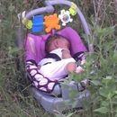 Србија: Напуштено бебе покрај патот