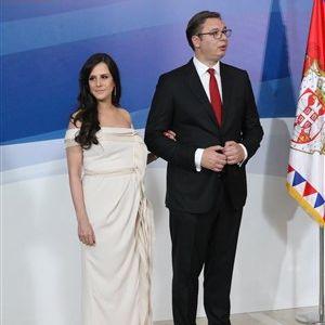 ФОТО: Првата дама на Србија блесна во црвен фустан