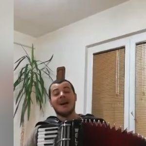Денеска одиме со народна музика...