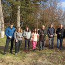 Учениците од земјоделското училиште во Битола ја продолжија традицијата на закројување лозје