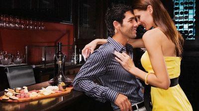 Облечи се женствено и биди добра домаќинка: Француски правила на заведување