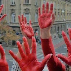 """Ги врзаа моите раце и нозе и почнаа киретажа без анестезија: Во Хрватска протест за """"акушерското насилство"""""""