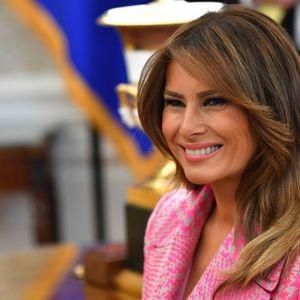 Меланија Трамп во розов капут за кој многу жени може само да сонуваат