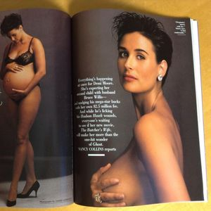 Славни жени кои позирале голи во бременоста: Деми Мур започна, многу ја копираа