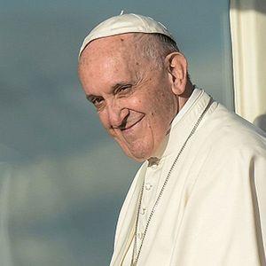 Венча стујарди, зборуваше за Меси, се сретна со Кети Пери: Папата Франциск им пркоси на стереотипите