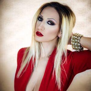 Секси мама: Наташа Малинкова згодна во бикини