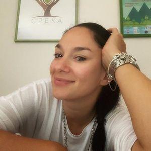 """Мајка ми ме родила на 19 години, сакале да ме дадат во дом за деца: Кристина Арнаудова за здружението """"Проект среќа"""""""