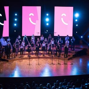 """Спектакуларна изведба на """"Перпетум Џезиле"""" на сцената на Филхармонија"""