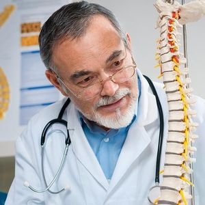 Најпознатиот специјалист за 'рбет тврди: Овие вежби ќе излечат каква било болка во грбот, од долниот дел до вратот