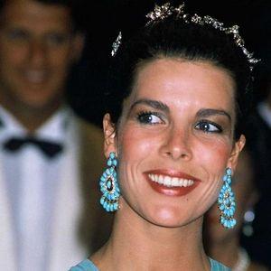 Стилот на Каролина од Монако е вечна инспирација: 10 модни заповеди на најубавата принцеза
