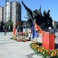 ВИДЕО: Владини делегации во Скопје и во Прилеп положија свежо цвеќе во чест на 11 Октомври – Денот на народното востание
