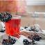 Црвен напиток кој го топи целулитот, а многу е вкусен