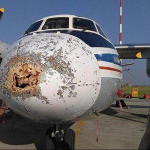Како изгледа авион кога влета во Сибирска бура? (ФОТО)