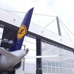 """(Видео) Минхенскиот аеродром смисли инвентивен начин за да го смести огромниот """"ербас А380"""""""
