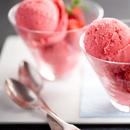 Сладолед со јогурт и малини
