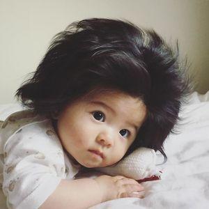 Ќе ве стопи: 6-месечно девојче со неверојатна коса