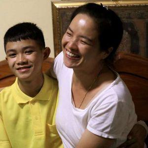 Спасените тајландски деца се вратија дома