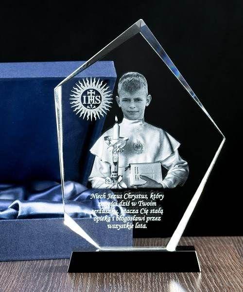 Kryształowa statuetetka - zdjęcie w albie - FOTOMONTAŻ - Studio3D