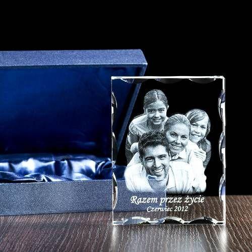 Ozdobny fotokryształ, rodzinna fotografia wygrawerowana w krysztale