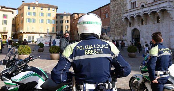 Coronavirus, solo in Lombardia 4.590 nuovi casi: record di contagi a Brescia (+1325). I dati del giorno Regione per Regione - Il Fatto Quotidiano