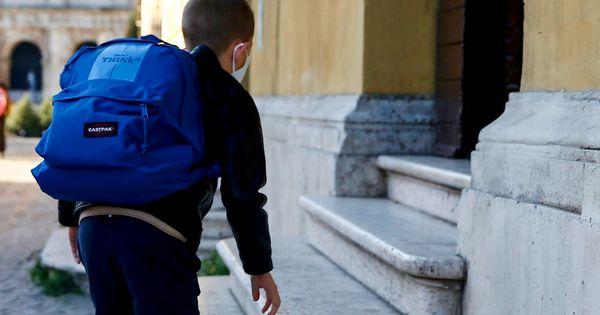 Oggi il ritorno a scuola per 8 alunni su 10: in zona arancione tutti in classe fino alla terza media, al 50% alle superiori - La mappa - Il Fatto Quotidiano