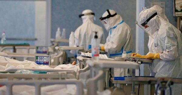 Coronavirus, i dati di oggi - 16.168 nuovi casi e 469 morti. Continua il calo dei ricoveri, ma più contagi rispetto a 7 giorni fa - Il Fatto Quotidiano