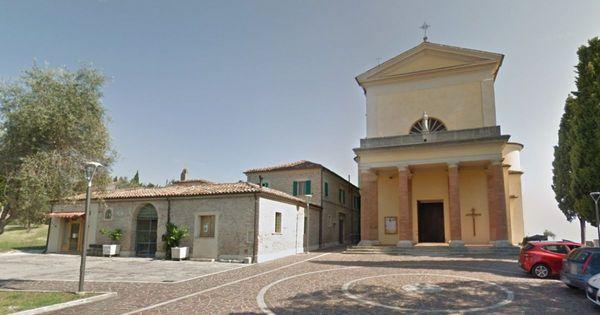 Rimini, ecco la soluzione del vescovo per affrontare la crisi di vocazioni: è la prima volta che succede
