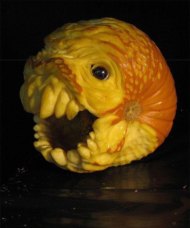 [Image: creepy-pumpkin-carvings-jon-neill-15.jpg]