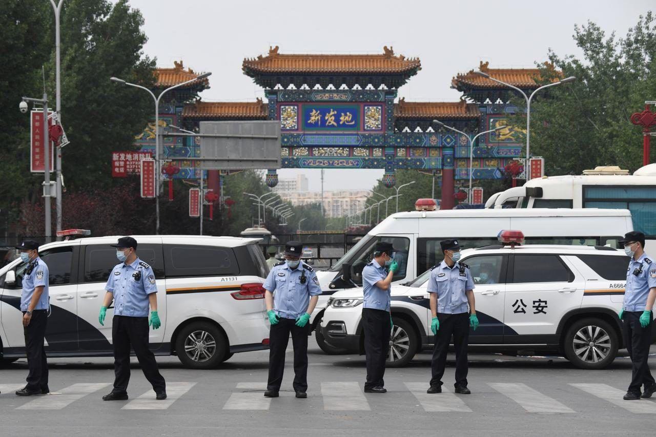 Torna 'incubo coronavirus Cina 400 000 persone nuovo lockdown vicino Pechino