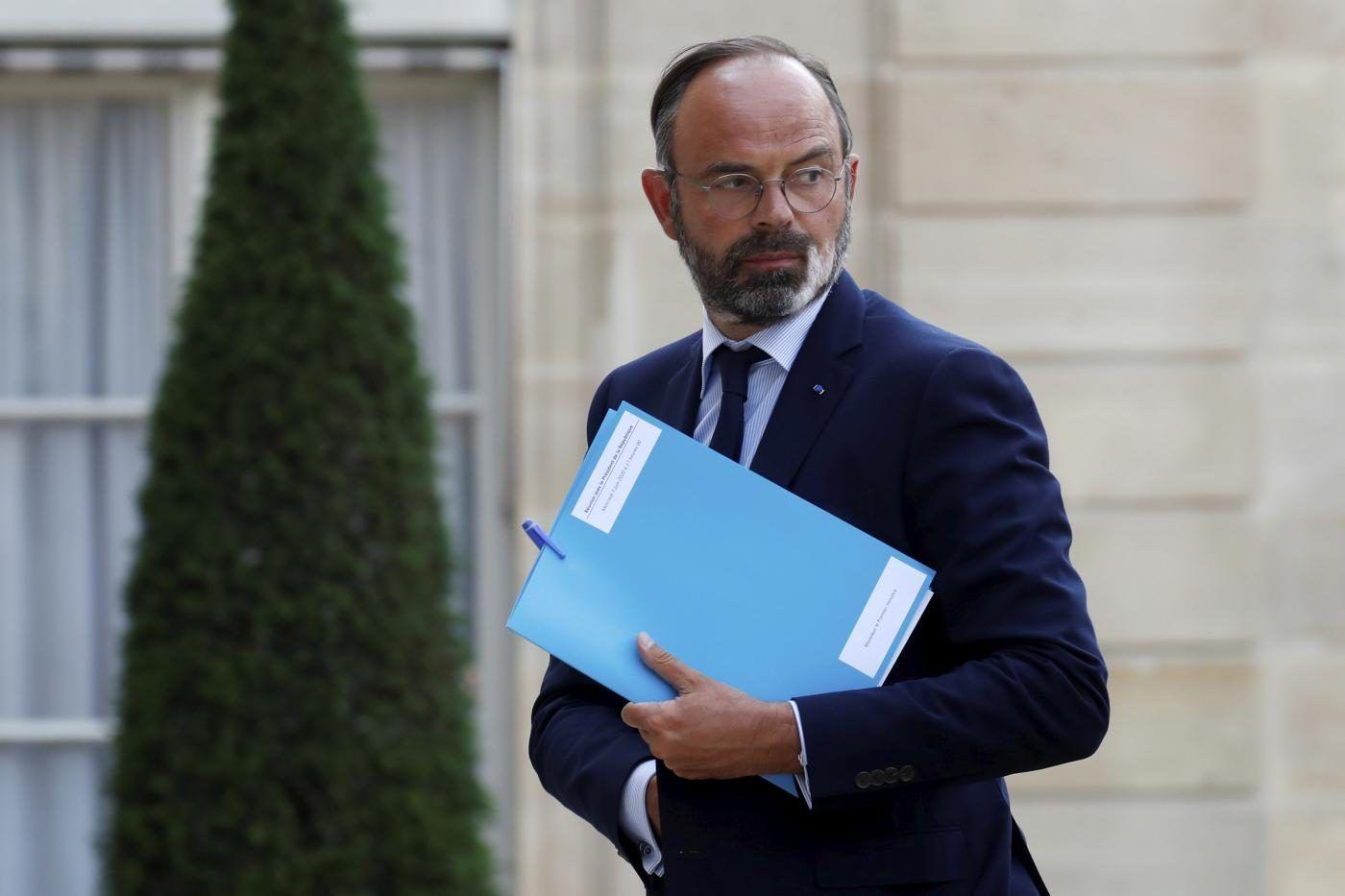 Francia premier Edouard Philippe dimette insieme tutto governo