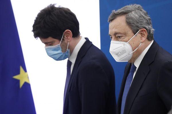 Vaccino Astrazeneca e variante Delta, la gestione Draghi – Speranza è un completo disastro