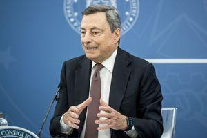"""Draghi dice che accoglieremo gli afghani, ma solo """"quelli che hanno collaborato con noi"""""""