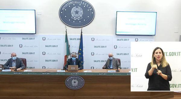"""Secondo l'Iss la circolazione del Covid è in calo in Italia: """"Stabili i casi nella fascia 0-12 anni"""""""