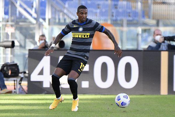 Inter, Conte perde i pezzi: Ashley Young positivo al Coronavirus