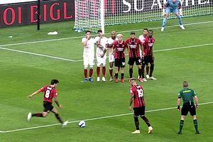 Il clamoroso errore dell'arbitro Serra: barriera irregolare, il gol di Tonali era da annullare