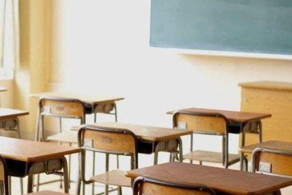 Lombardia in zona arancione rafforzato, da domani chiuse tutte le scuole: come cambiano le regole