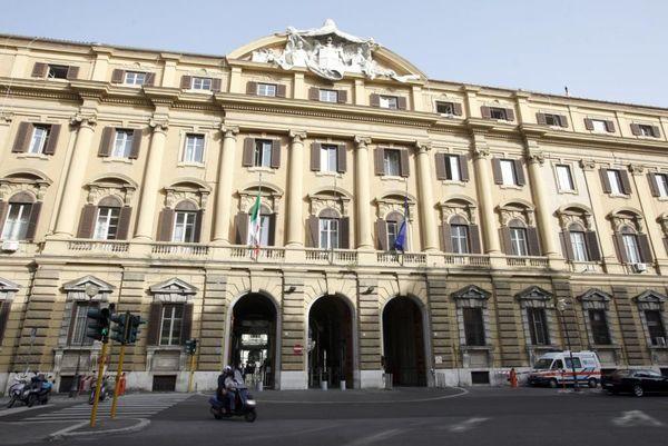 Nei primi due mesi dell'anno entrate tributarie in calo del 4,1% rispetto a un anno fa - ItaliaOggi.it
