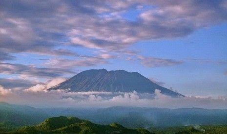 [Image: gunung-agung-bali-_120901141655-192.jpg]