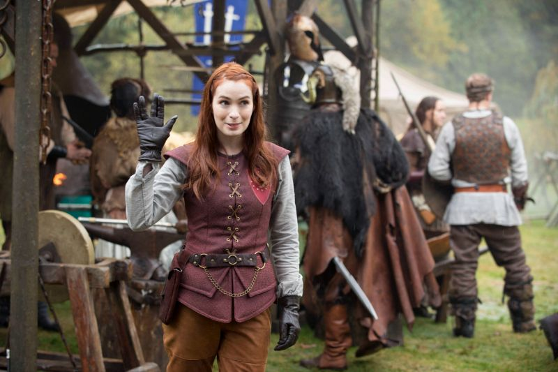 [Image: felicia-day-returns-to-supernatural.jpg]